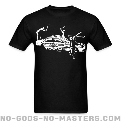 Rioters attacking a police car - ACAB Camiseta